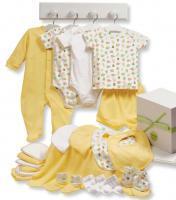 Одежда и товары для новорожденных