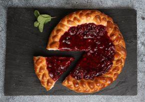 Пирог с ягодами брусника вес