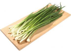 Лук зеленый свежий 100г